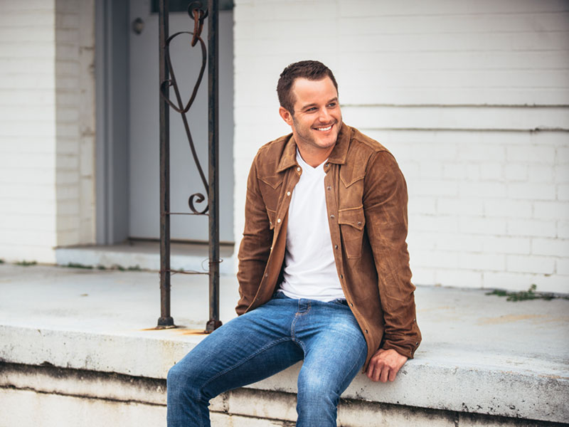 Easton Corbin Joins Alabaster CityFest Lineup As 9:00 PM Act